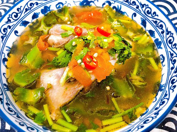Canh chua đầu cá diêu hồng nấu đậu rồng - 1