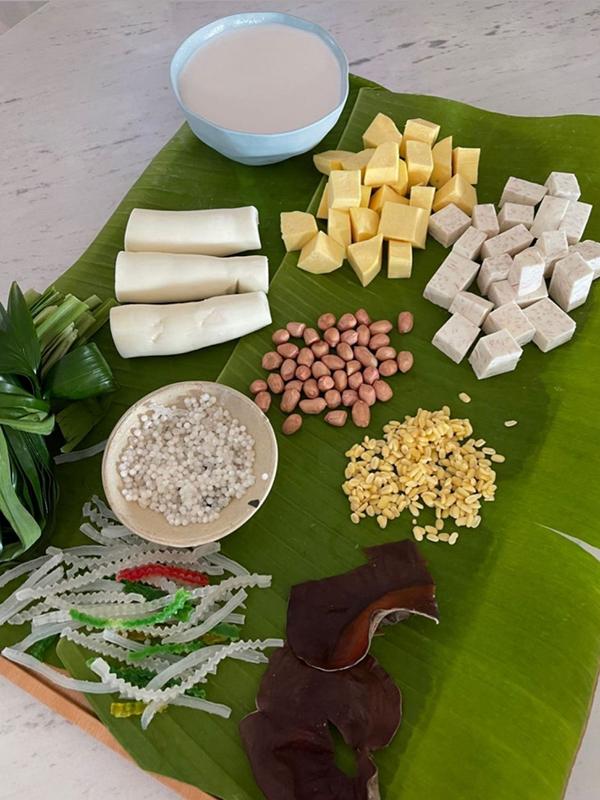 Thành phần làm món chè bà ba của Thanh Hằng.