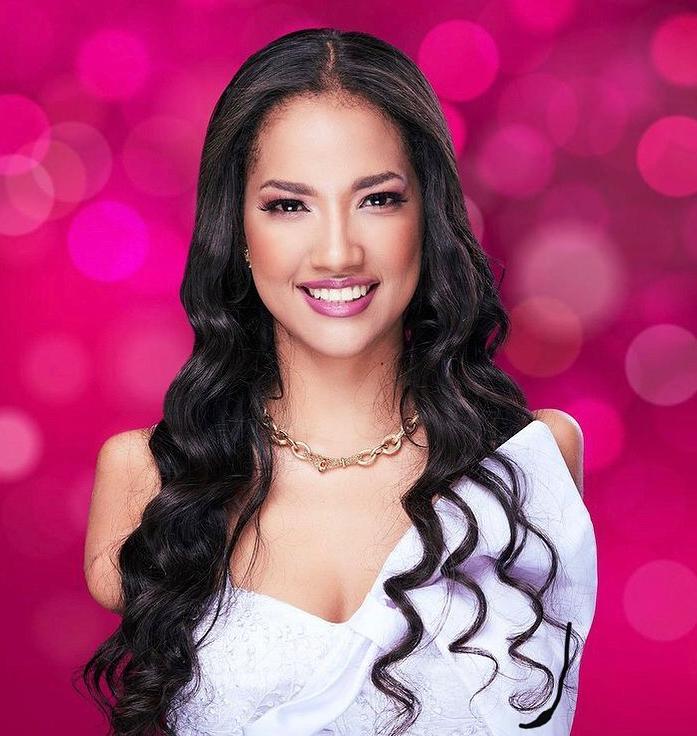 Người đẹp Victoria Salcedo.