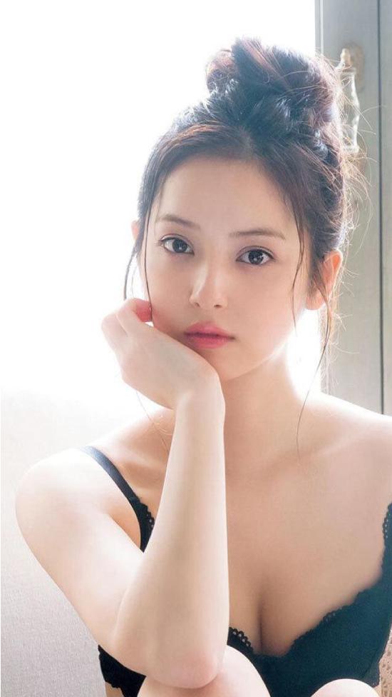 Diễn viên Nozomi Sasaki.