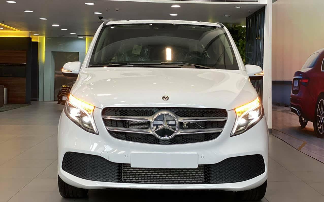 Mercedes-Benz V 250 Luxury mới cậu của Cường Đôla. Ảnh: FBNV