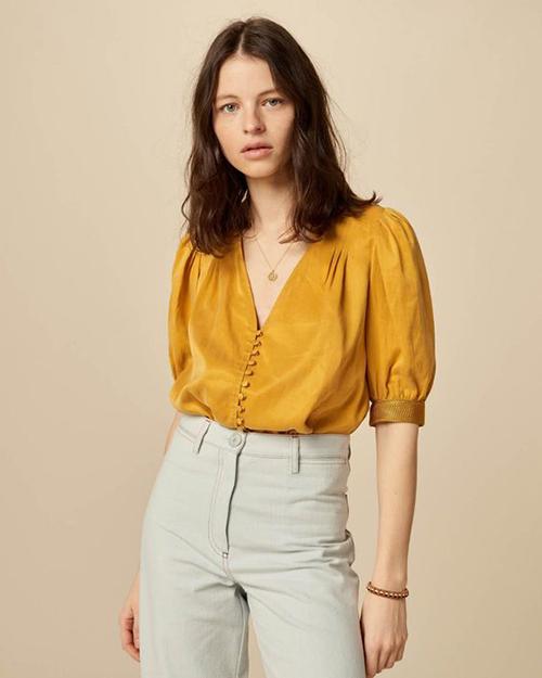 Áo blouse tay ngắn cho mùa hè