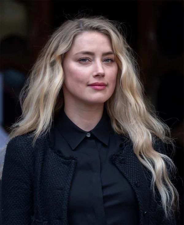 Nữ diễn viên quyết định có con nhờ người mang thai hộ vì khó khăn trong việc mang bầu.