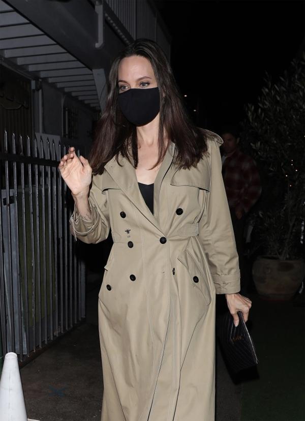 Angelina Jolie có chung tình yêu và mối quan tâm tới Ethiopia với The Weeknd.