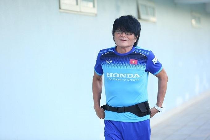Bác sĩ Choi Ju-young có nhiều đóng góp trong công tác y tế của tuyển Việt Nam hơn một năm qua. Ảnh: Đương Phạm.