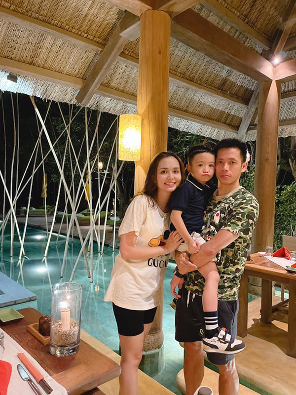Nhà Duy Mạnh - Văn Quyết xem bóng đá ngoài trời ở resort