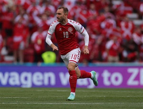 Tiền vệ Christian Eriksen đã có hơn 10 năm gắn bó trong màu áo tuyển Đan Mạch là trụ cột và được các đồng đội yêu mến. Ảnh: AP.