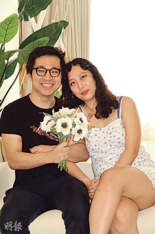 Kristen Fok và fan Joseph Lam.