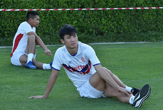 Bùi Tiến Dũng vắng mặt trong trận đấu quan trọng với Pathum United vì chấn thương. Ảnh: Viettel.