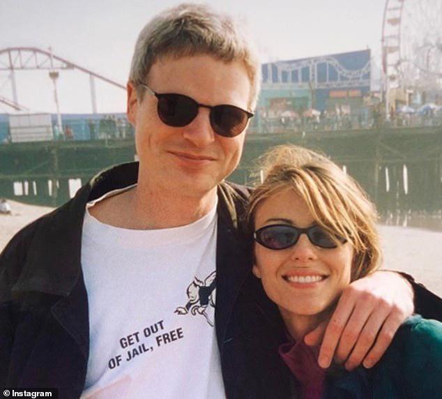 Elizabeth Hurley và Steve khi còn hẹn hò.
