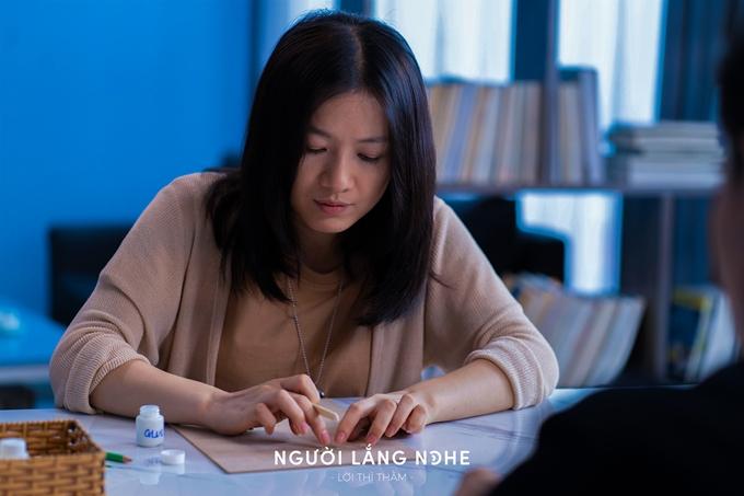 Oanh Kiều lần đầu đóng nữ chính trong phim Người lắng nghe: Lời thì thầm.