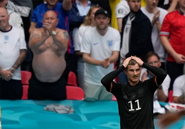 Timo Werner không ghi được bàn thắng nào ở Euro 2020 và tuyển Đức bị loại ở vòng 1/8 trước Anh. Ảnh: Reuters.