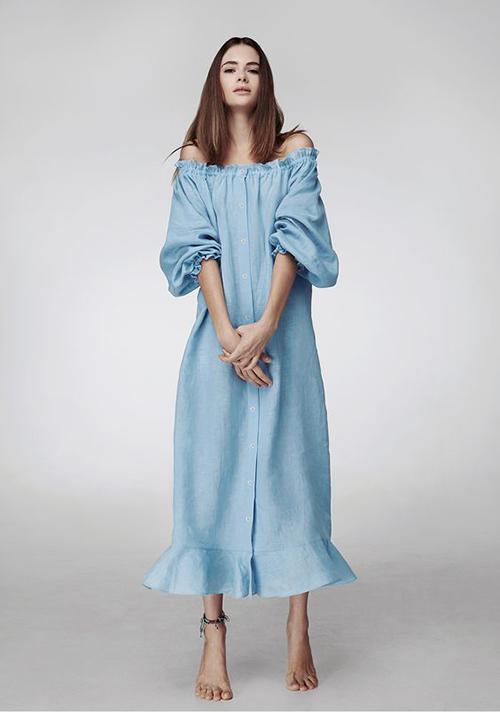 Váy không kén dáng mang lại sự tự do và thoải mái thường được cắt may trên vải linen để giúp bạn gái giải nhiệt ngày hè.