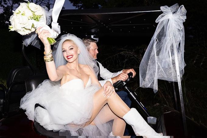 Gwen Stefani khoe ảnh cưới