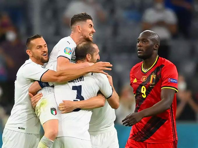 Italy trở thành ứng viên nặng ký nhất cho ngôi vô địch Euro 2020 sau chiến thắng 2-1 trước Bỉ - đội bóng số 1 trên bảng xếp hạng FIFA ở tứ kết. Ảnh: AFP.