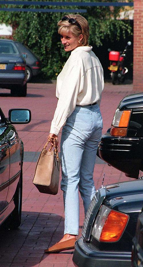 Diana và mẫu túi Gucci được cưng chiều - 4