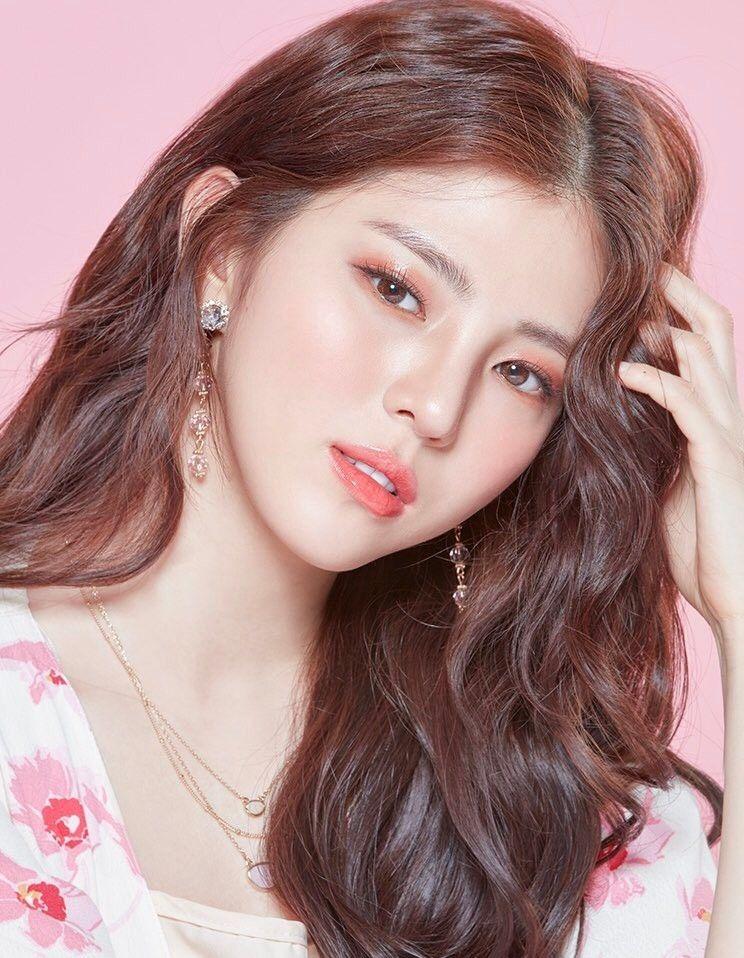 Vẻ đẹp gợi cảm của Han So Hee  - 12