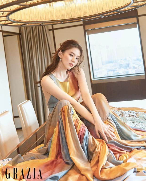 Vẻ đẹp gợi cảm của Han So Hee  - 1