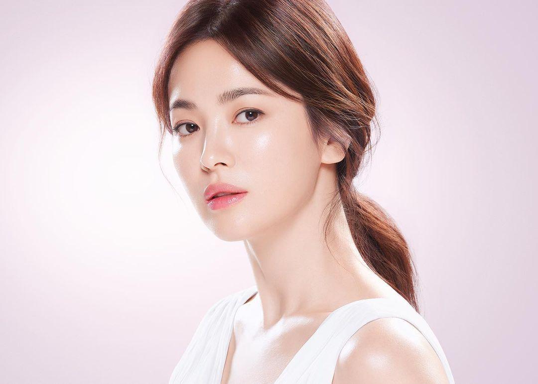 Làn da căng bóng được nhiều người ngưỡng mộ của Song Hye Kyo.