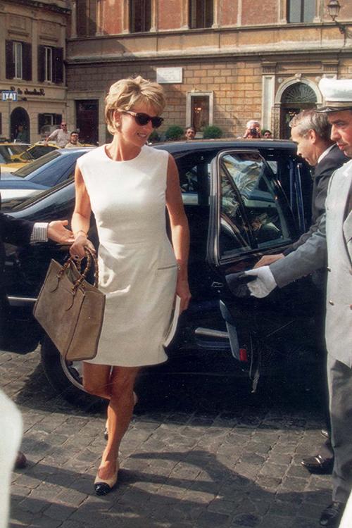 Diana và mẫu túi Gucci được cưng chiều - 1