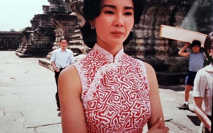 Trương Mạn Ngọc vốn dĩ sang Campuchia quay phim nhưng bản phim cuối chỉ có hình ảnh của một mình Lương Triều Vỹ.