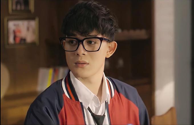 Tạo hình của Quang Anh trong vai Minh của Hãy nói lời yêu.