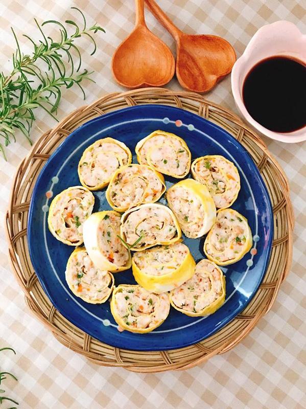 8 món trứng cuộn bày vẽ cho ngày giãn cách