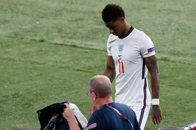 Marcus Rashford của MU kết thúc kỳ Euro thất vọng sau khi đá hỏng luân lưu trong chung kết với Italy. Ảnh: PA.