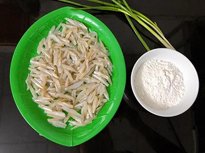 Cá cơm chiên bột - 1