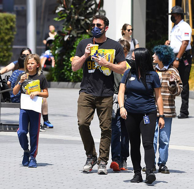 Ben Affleck luôn là một ông bố chu đáo và quan tâm đến các con. Ngôi sao 45 tuổi cũng nhanh chóng nhận được sự yêu mến của con gái Jennifer Lopez.