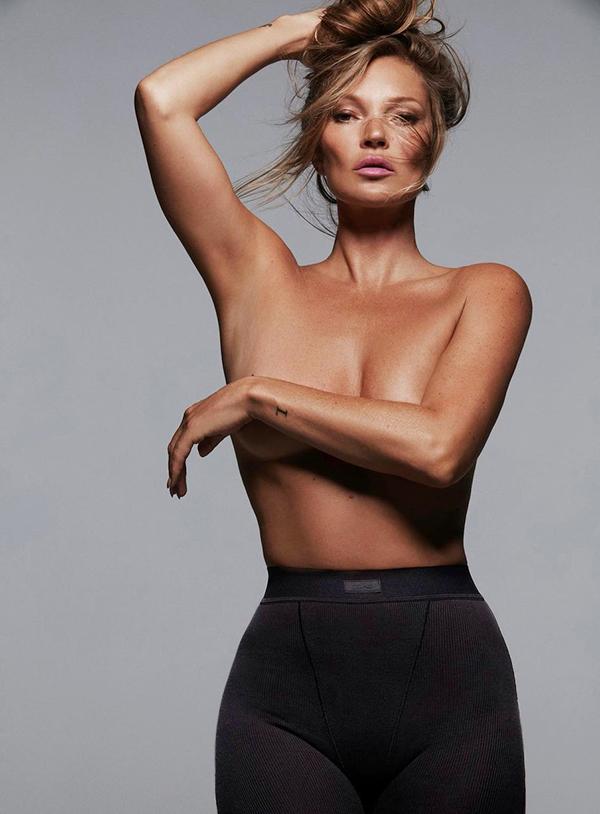 Kate Moss trong bộ ảnh thực hiện cho hãng nội y Skims.