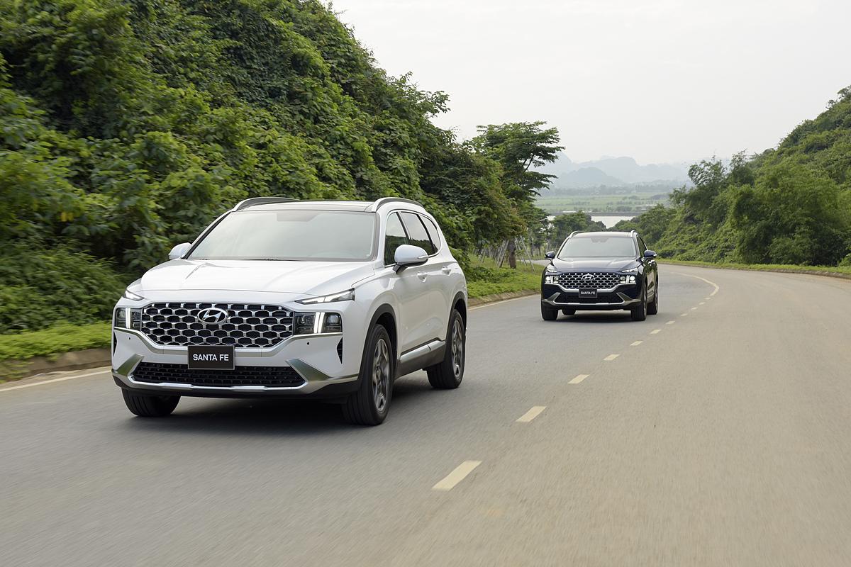 Hyundai Santa Fe tại Ninh Bình. Ảnh: TC Motor