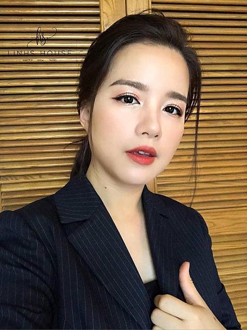 Hình ảnh lung linh của MC Minh Trang khi được make up kỹ lưỡng.