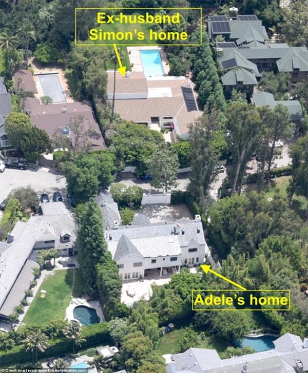 Adele tặng cho chồng cũ ngôi nhà thứ hai cô mua.