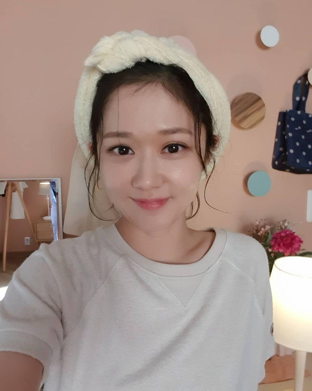 Bí thuật giúp Jang Nara trông như gái đôi mươi dù đã tứ tuần
