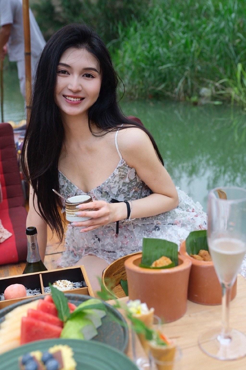 Nhan sắc ngọt ngào của Tiểu Nhiễm  - 4