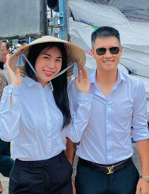 Vợ chồng Thủy Tiên - Công Vinh là một trong số những sao Việt tích cực làm từ thiện nhưng cũng gặp không ít thi phi.