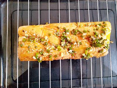 Bánh mì cay lạp xưởng - 2
