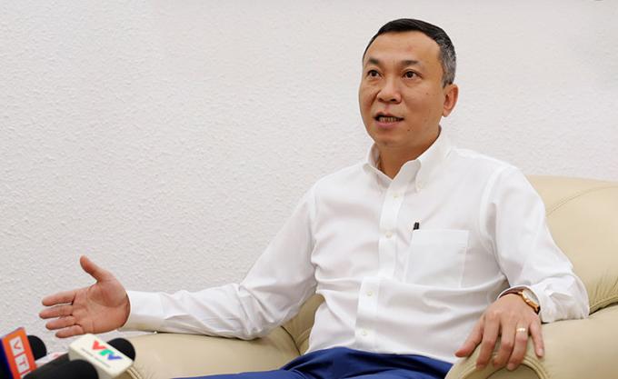 Phó Chủ tịch VFF Trần Quốc Tuấn chia sẻ với truyền thông về kế hoạch chuẩn bị của tuyển Việt Nam cho vòng loại thứ ba World Cup 2022. Ảnh: VFF.