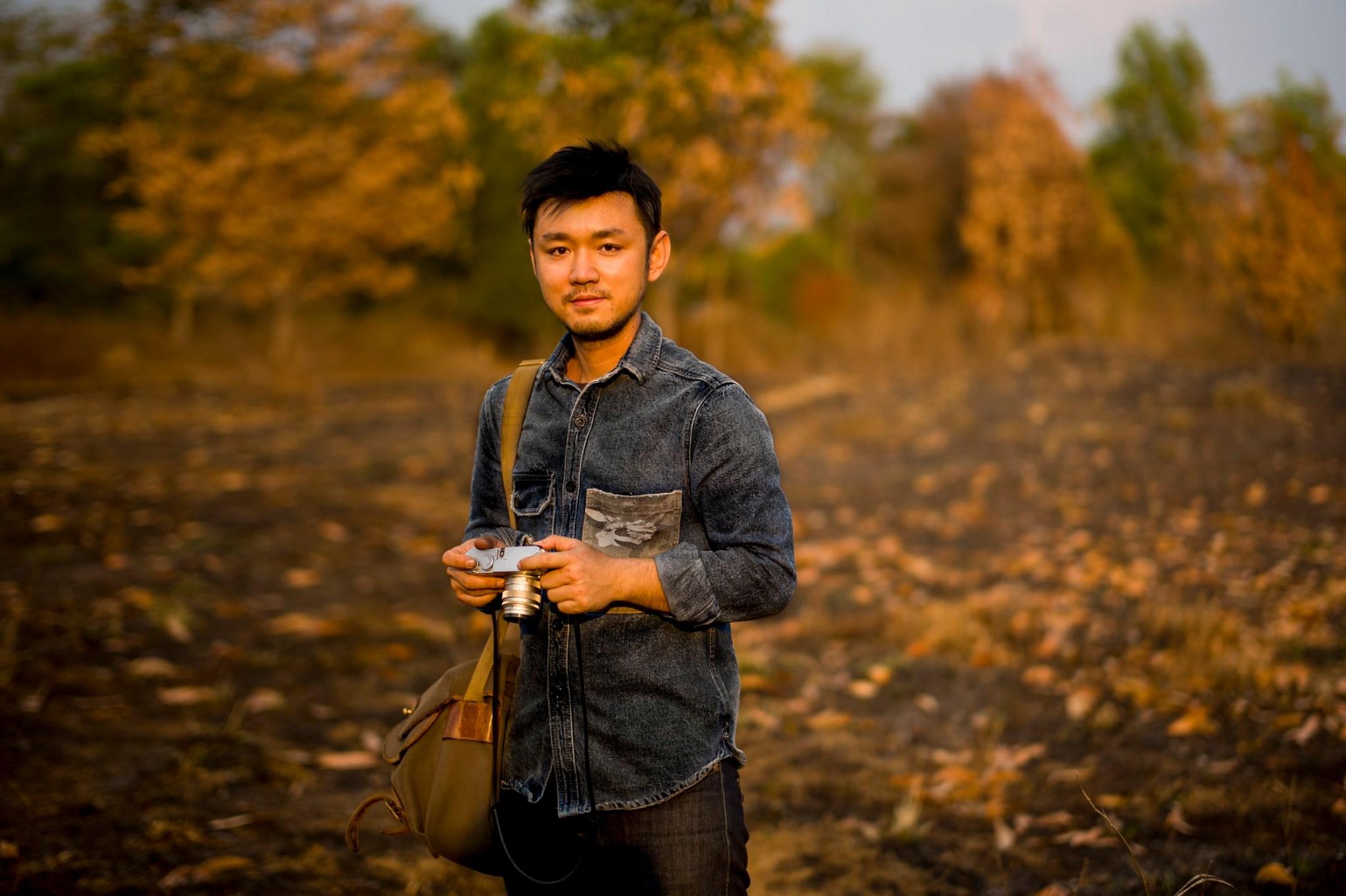 Bạn trai của Tiêu Châu Như Quỳnh sở hữu ngoại hình điển trai, phong độ ở tuổi 35. Anh cũng chuộng phong cách thời trang năng động, thoải mái.