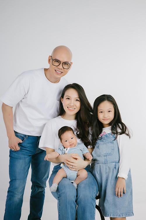 Gia đình Phan Đinh Tùng - Thái Ngọc Bích viên mãn với đủ nếp, đủ tẻ là bé Noel, Noah.
