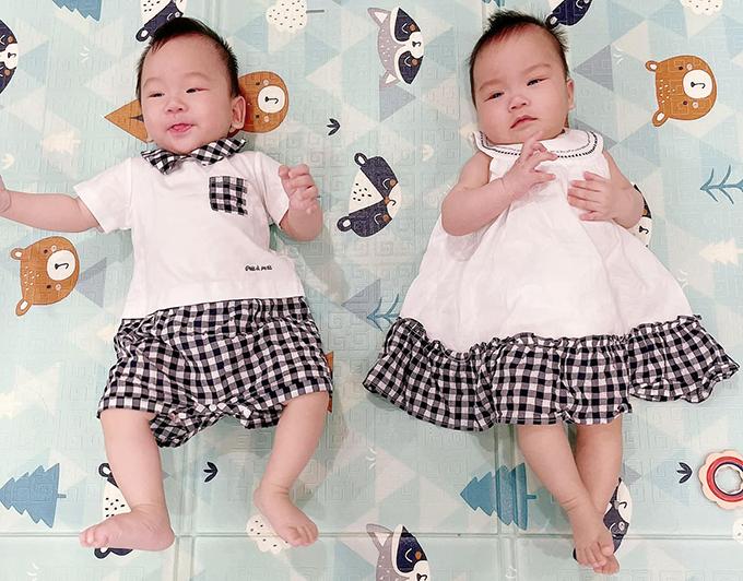 Cặp song sinh giống bố y đúc nhà Khắc Việt - 8