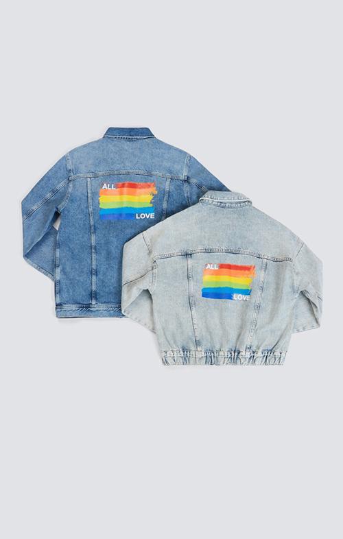 Ở dòng thời trang ứng dụng, các thương hiệu áp dụng kỹ thuật in để mang màu cờ lục sắc trang trí cho nhiều mẫu áo.