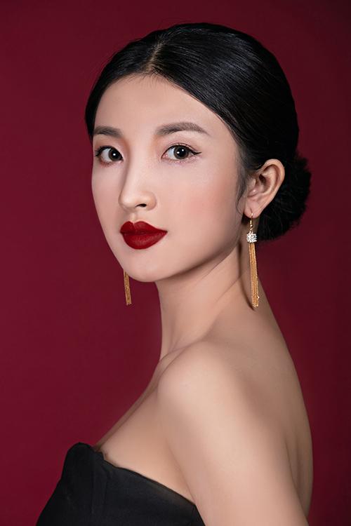 Bộ ảnh được thực hiện với sự hỗ trợ của stylist & Makeup: Huỳnh Quang Nhật, model: Misun