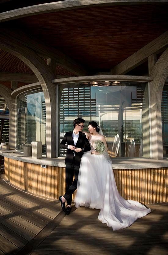 Vợ chồng Tú Anh trong ảnh cưới ba năm trước.