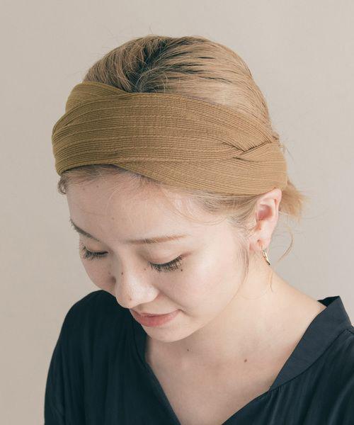 Những mẫu khăn turban thông dụng luôn mang lại sự gọn gàng và phù hợp với phái đẹp yêu công việc bếp núc, chăm sóc nhà cửa trong thời gian tránh dịch.