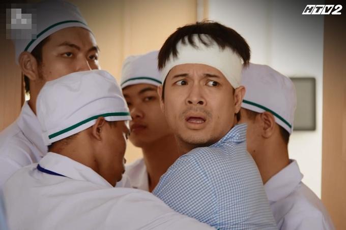Nhân vật của Trương Thế Vinh được đưa vào bệnh viện tâm thần trong Cây táo nở hoa.