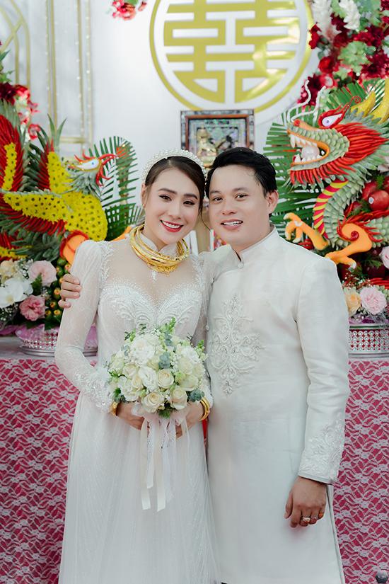 Vợ chồng Hồ Bích Trâm.