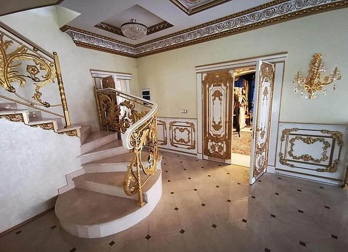 Ngôi nhà dát vàng của cảnh sát trưởng Nga - 5