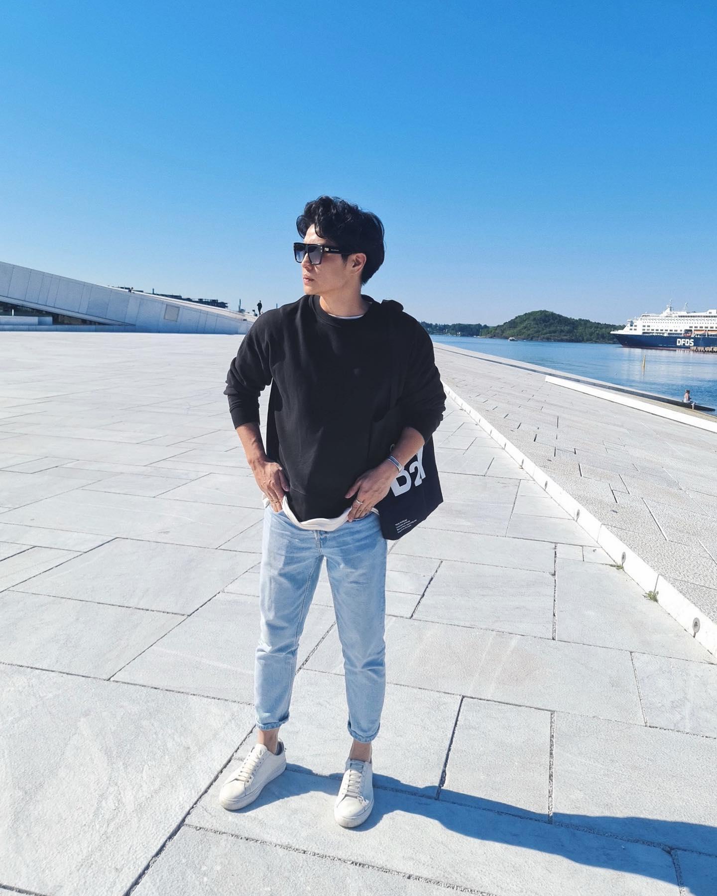 Huy Trần sinh năm 1990, sinh trưởng tại Đại nên anh cũng nhanh chóng hòa nhập cuộc sống mới ở Na Uy.